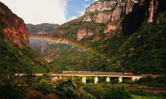 chepe-ferrocarril-barrancas
